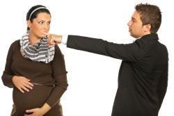 Могут ли уволить беременную женщину