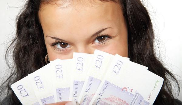 Сколько денег нужно для счастья в России?