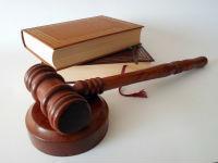 Куда жаловаться на услуги юридического центра