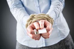 Может ли банк списать долг по кредиту с карты