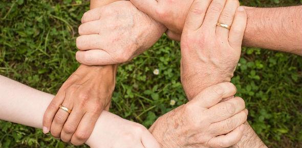 Как переоформить земельный участок на другого человека