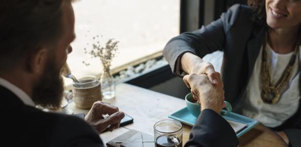 Можно ли переоформить кредит на другого человека: с его согласия, без его согласия