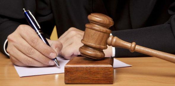 Заемщик подает в суд на банк